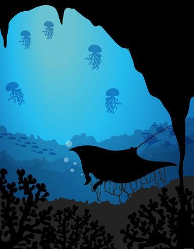 Escena subacuática de silueta con raya