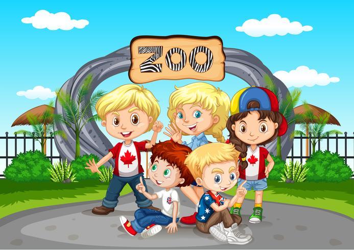 Viele Kinder besuchen den Zoo