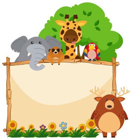 Cornice in legno con animali selvatici in giardino