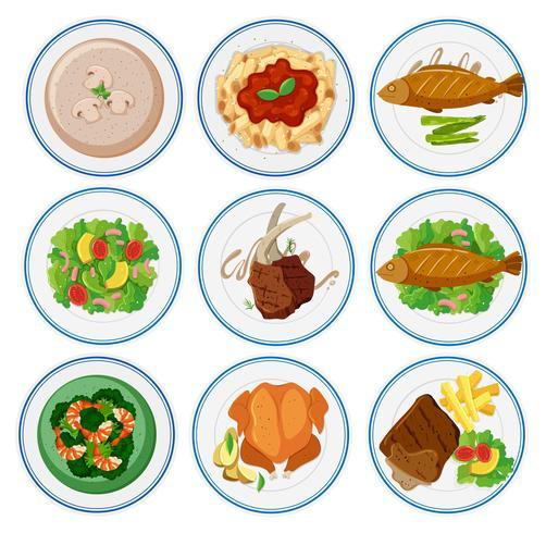 Diferentes tipos de comida en platos redondos.