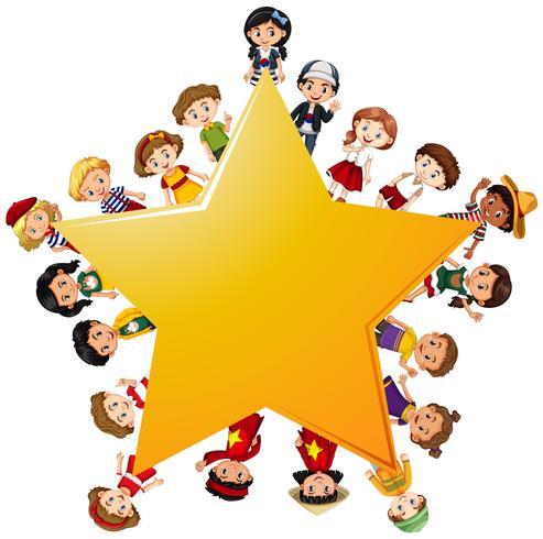 Lyckliga barn runt gula stjärnan