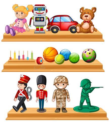 Diferentes muñecos y pelotas en estanterías.