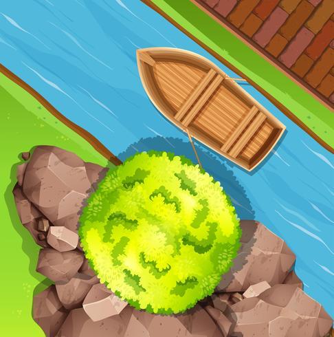 Luftbild des Bootes im Strom