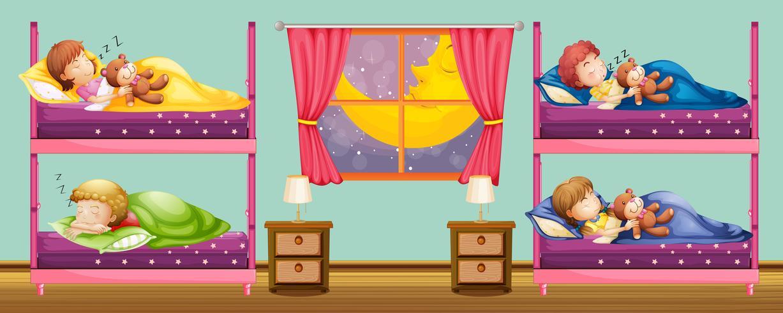 Enfants dormant dans un lit superposé