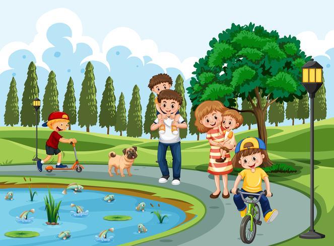 Familie die in een park uitoefent