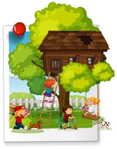 Veel kinderen spelen in de boomhut