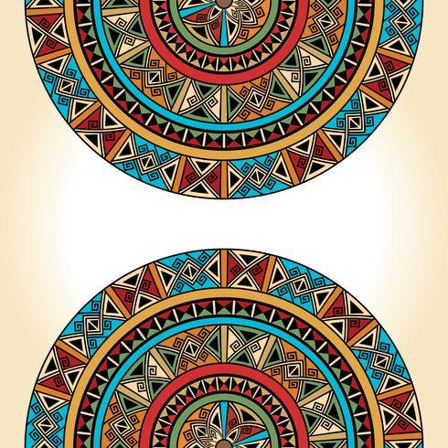 Etniska traditionella färgstarka ljusa halvrunda mönster på beige bakgrund