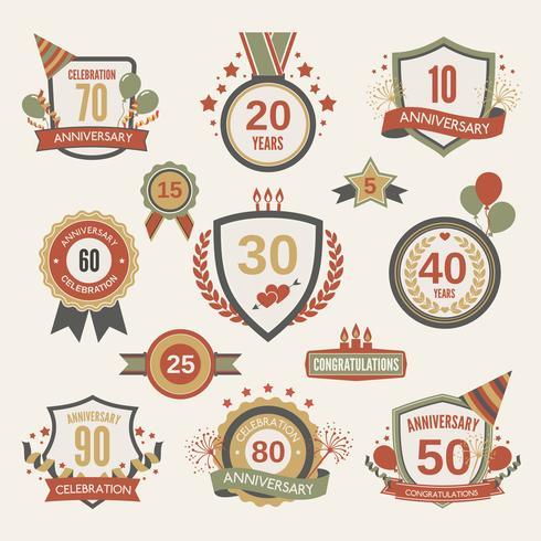 Conjunto de etiquetas de aniversario vector