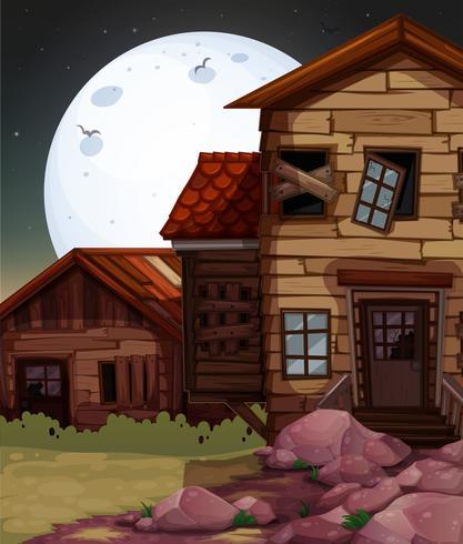 Antigua casa de madera en la noche.