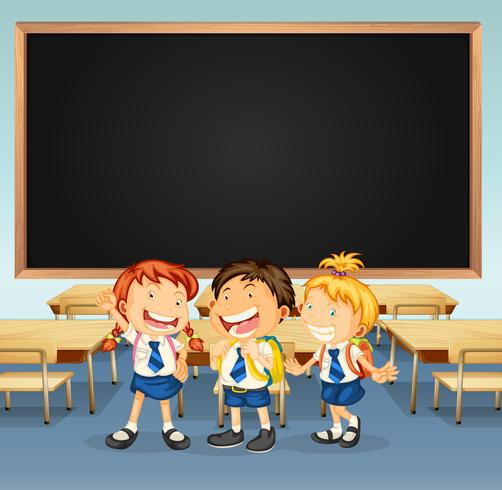 Diseño de cuadros con tres alumnos en aula.