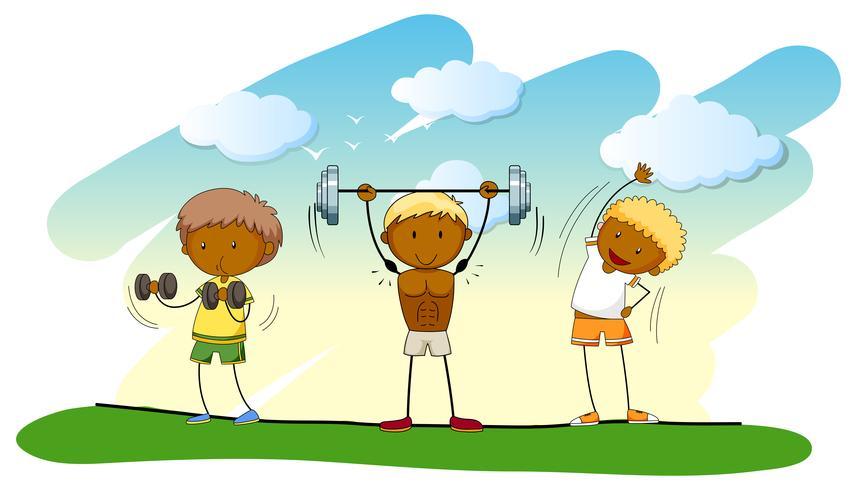 Drei Leute beim Gewichtheben auf dem Rasen