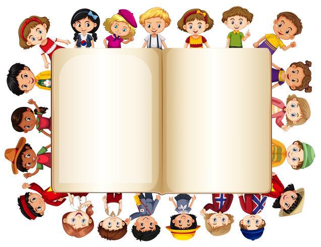 Modello di libro bianco con bambini sul bordo