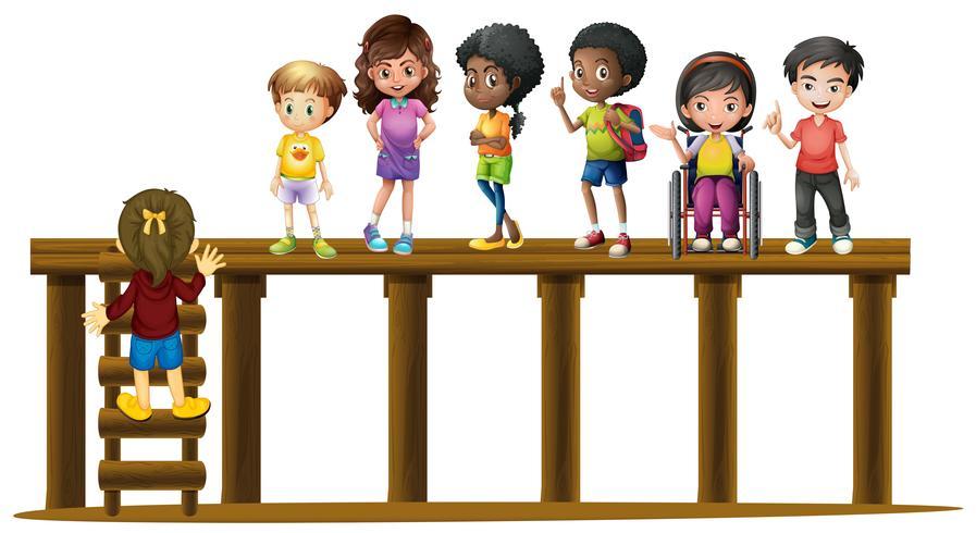 Enfants, debout, bûche bois