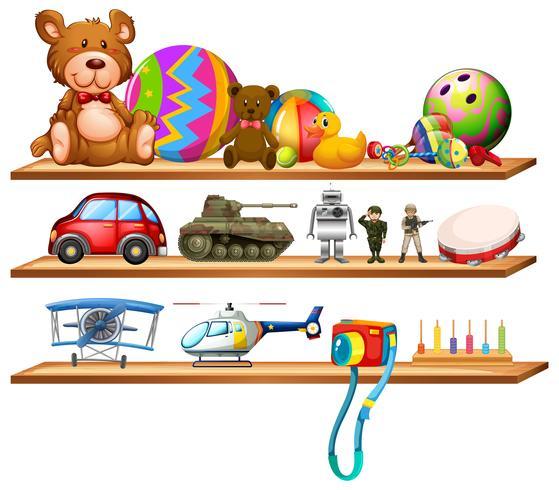 Brinquedos em prateleiras de madeira