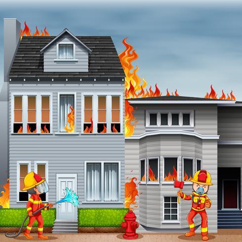 Brandweerlieden bij de scène van huisbrand