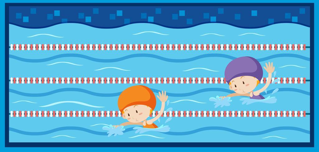 Deux filles nageant dans la piscine