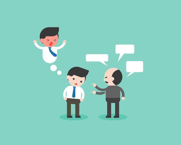Een zakenman of een werknemer is gefrustreerd met zijn kieskeurige baas of werkgever