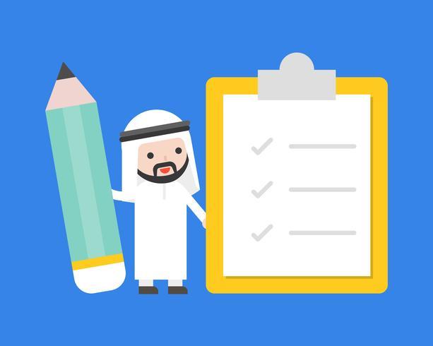 Söt arabisk affärsman som håller jätte penna med checklista