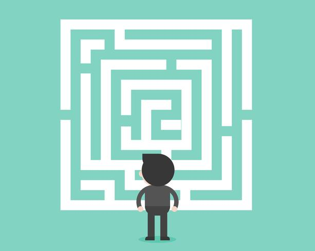 Sguardo dell'uomo d'affari al concetto del labirinto, analizzato e della soluzione