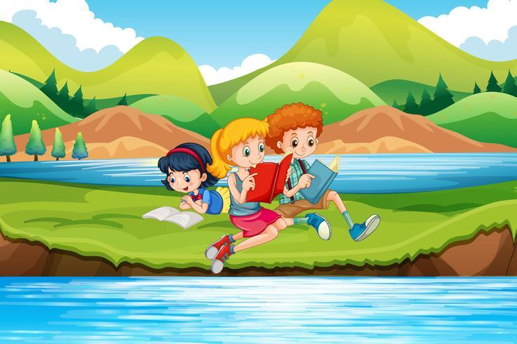 Enfants lisant des livres au bord de la rivière