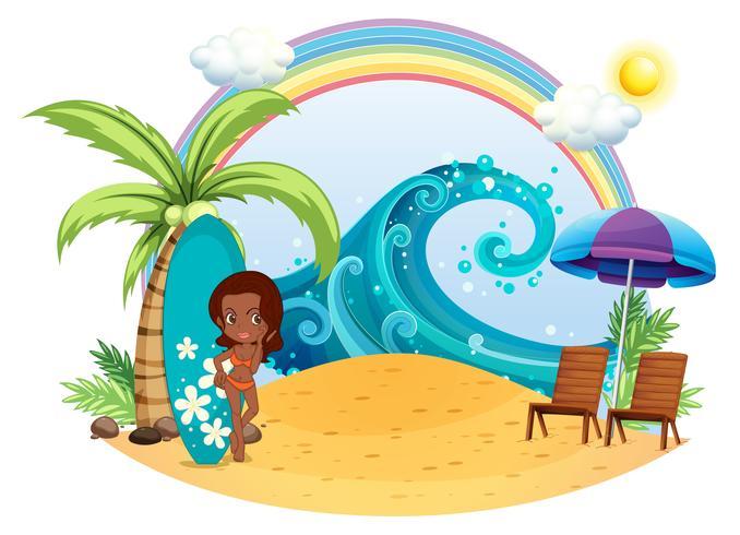 Una chica morena en la playa con una tabla de surf
