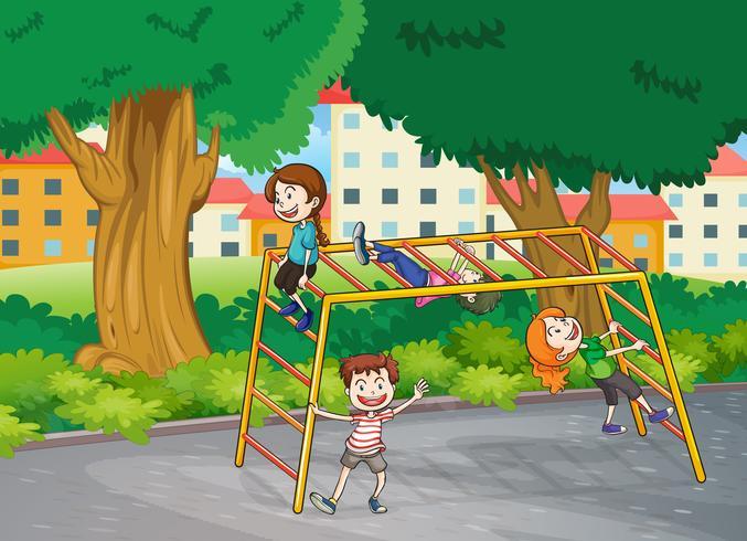 niños y barra de mono