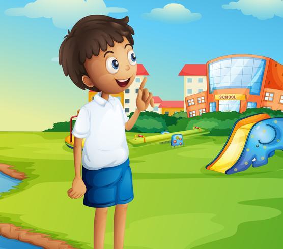 Een jongen op de schoolplein