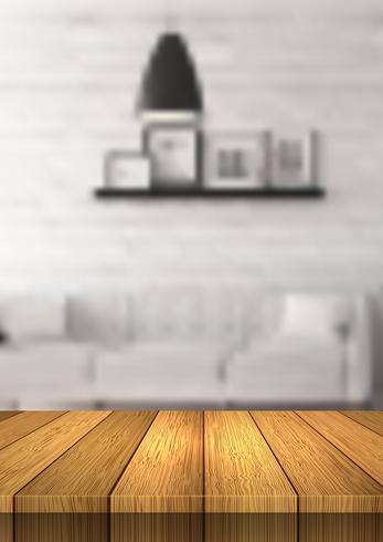 Holztisch, der heraus zu einem defocussed Raum schaut