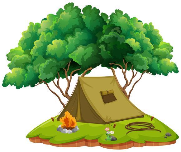 Terrain de camping avec tente et feu de camp