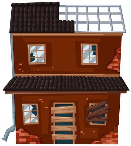 Casa antiga com telhado quebrado