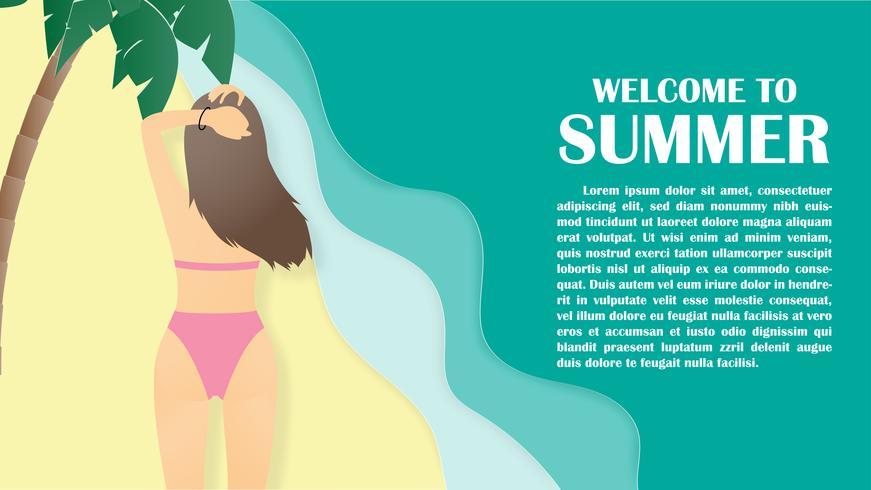 Sommerhintergrund mit hinterer Ansicht des jungen Mädchens des Bikinis am tropischen Strand- und Palmenpapier schnitt Art.