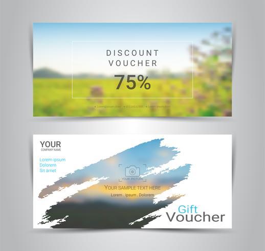 Buoni regalo e buoni, buono sconto o modello di banner web con sfondo sfocato. vettore