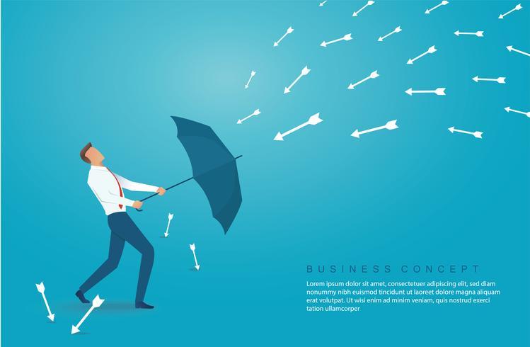 Geschäftsmann verwenden Regenschirm Pfeil nach unten zu schützen