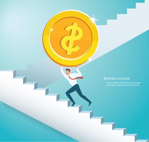 uomo che tiene la grande moneta d'oro salire le scale per il successo
