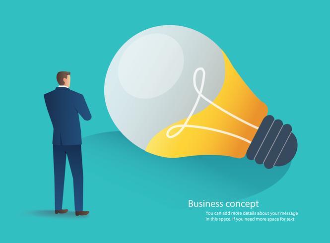 Hombre de negocios de pie con bombilla idea concepto vector ilustración
