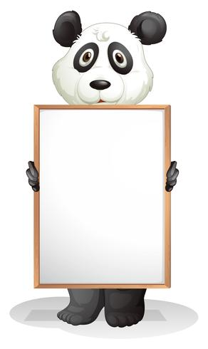 Een panda met een leeg bord