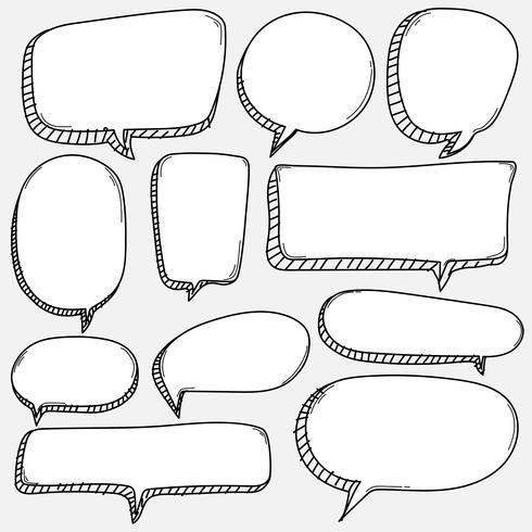 Dibujado a mano conjunto de burbujas. Doodle estilo globo de cómic, elementos de diseño en forma de nube. vector