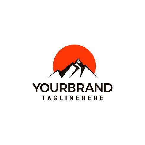 Toerisme reizen logo ontwerpsjabloon. Creatieve bergen conceptontwerpsjabloon vector