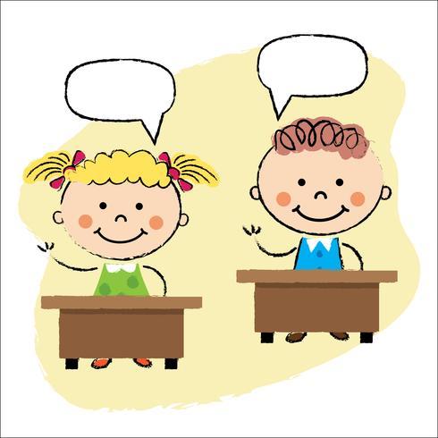 Kinder im Klassenzimmer sitzen an den Schreibtischen
