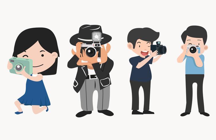 Fotógrafos con cámaras en diferentes poses.