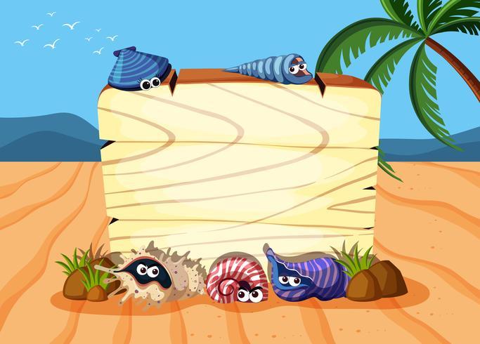 Tavola di legno sulla sabbia