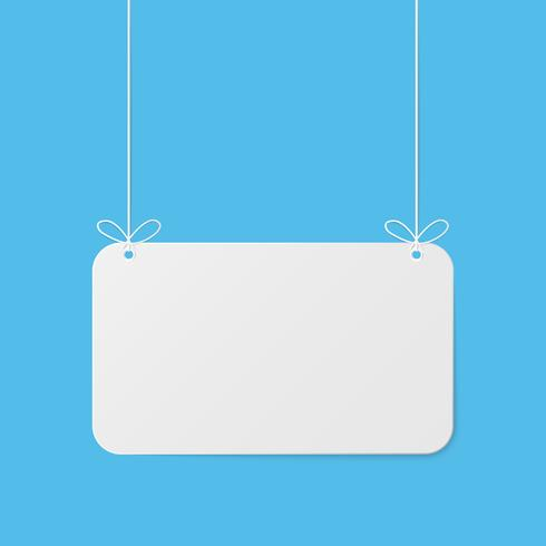 Art de papier avec maquette vide sur ciel bleu. Espace de copie. Bulle de dialogue, suspension blanche et grise.