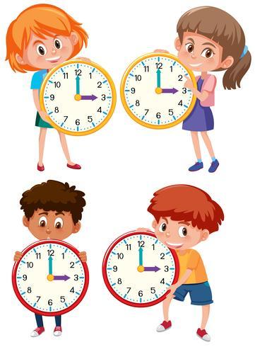 Barn som håller klocka på vit bakgrund