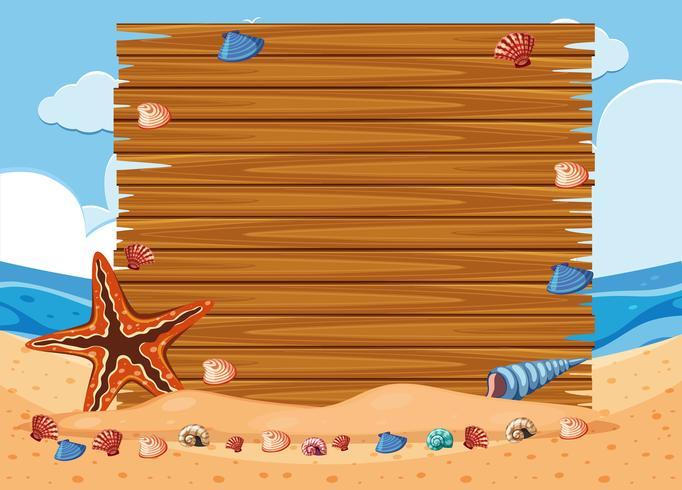Tavola di legno sulla spiaggia