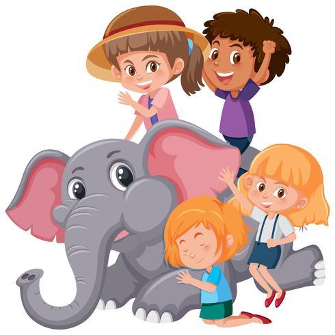 Groep kinderen die met olifant spelen