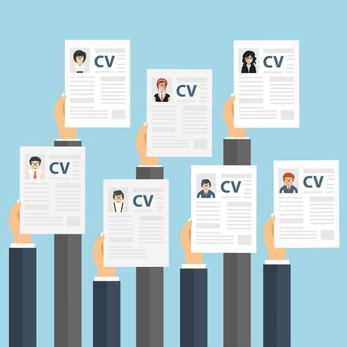 Manos sosteniendo papeles de CV. Concepto de gestión de recursos humanos, búsqueda de personal profesional, análisis de resúmenes, trabajo.