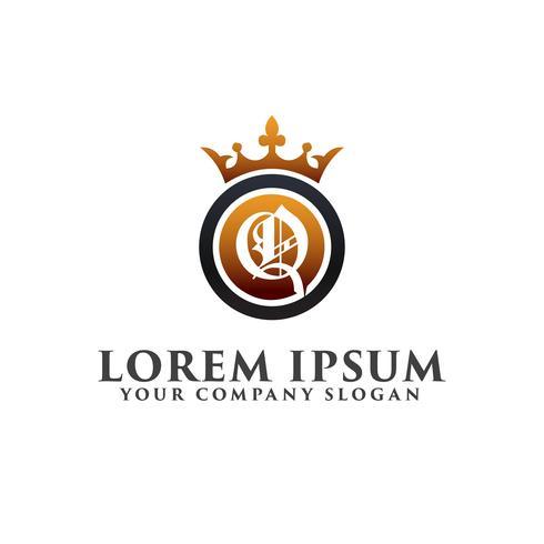 Carta de lujo q con corona Plantilla de concepto de diseño de logotipo