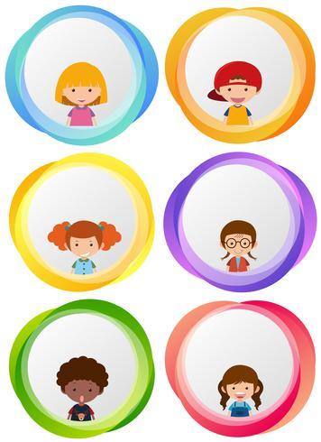 Etikettendesigns mit glücklichen Kindern