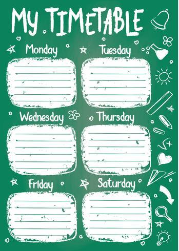 Schulzeitplanvorlage auf Kreidetafel mit handgeschriebenem Kreidetext. Der wöchentliche Stundenplan in der flüchtigen Art, die mit Hand gezeichneter Schule verziert wird, kritzelt auf grünem Brett.