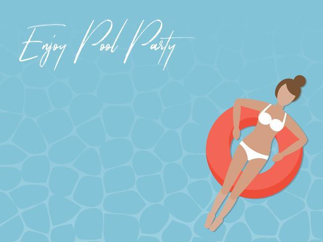 Profitez de Pool Party, femme sur l'anneau de bain dans la mer